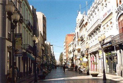 calle_mayor_triana_en_las_palmas_de_GC.jpg